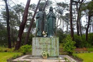 Estatua-D.-Dinis_Pinhal-do-Rei_My-Own-Portugal
